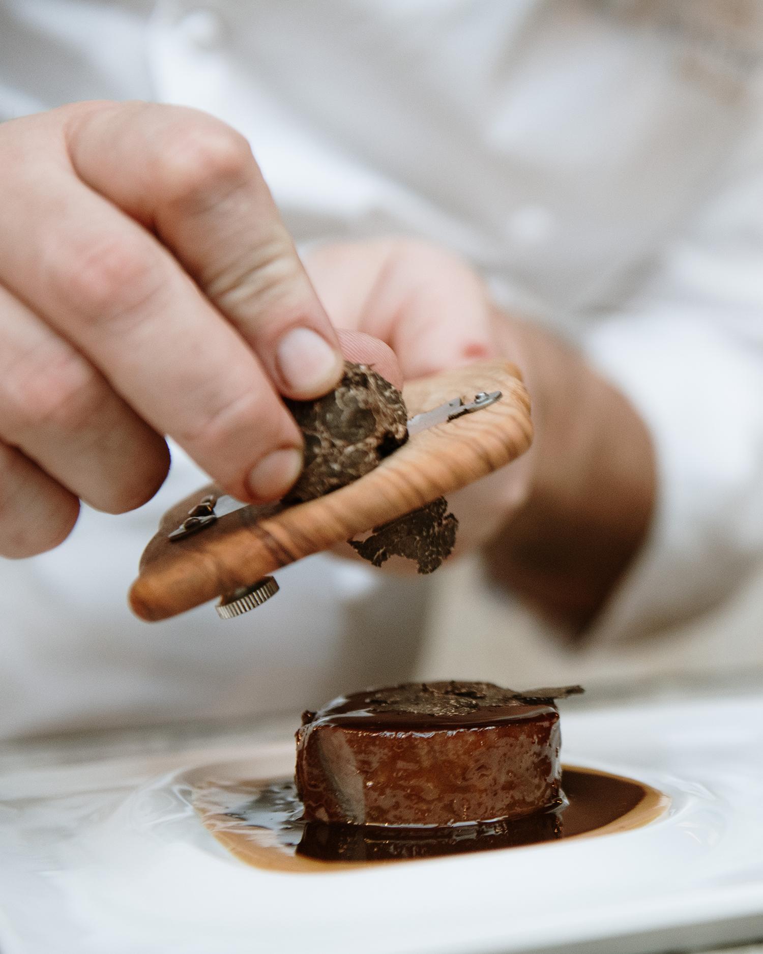 Sintonia celebra su primer aniversario con una propuesta gastronómica de caza y trufa